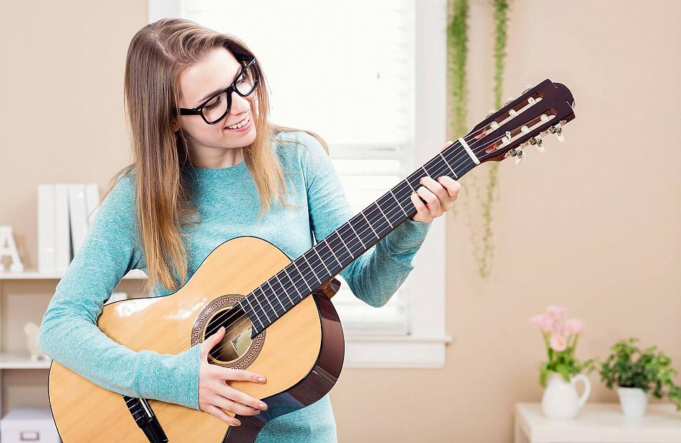 Как настроить 6-струнную гитару новичку